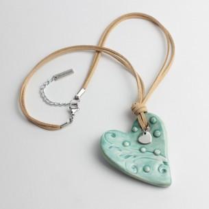 Collana con cuore in ceramica e dettagli dorati