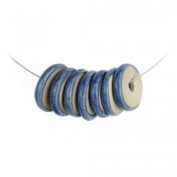 Collana con perle a disco in argilla grigia: BLU