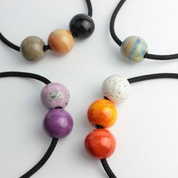 Collana personalizzabile con sfere in ceramica, corda intrecciata