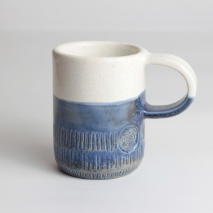 Mug rustica con smalti a effetto